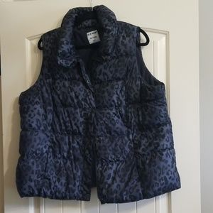 Old Navy Gray Leopard Puffer Vest
